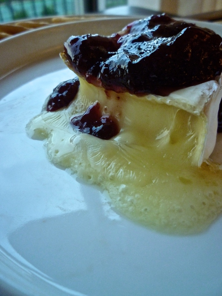 I thought O loved me, or: Baked Brie with Raspberry Preserves